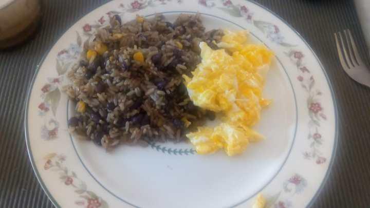 Gallo Pinto: Desayuno tradicionaltico